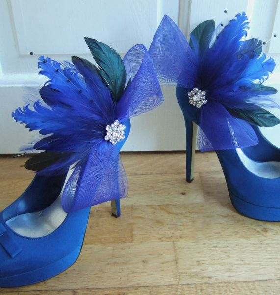 Royal Blue Black Curled Feathers Crin and Crystal Shoe Clips SC102